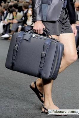 กระเป๋าทรงแอโรไดนามิก ใหม่ 2010 หลุยส์วิตตอง