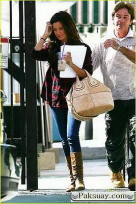 กระเป๋าแบรนด์เนมแฟชั่นดาราท็อปฮิต Y Givenchy Nightingale