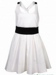ชุดสั้นแบบง่ายๆโทนขาว