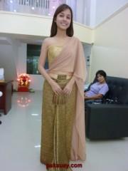 ชุดไทยที่ดาราเลือก