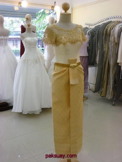 ชุดไทยแขนสั้น แขนยาว ชุดไทยอมรินทร์ แบบประยุกต์ สีทอง ไทยๆ ที่คุณช่วยสร้าง
