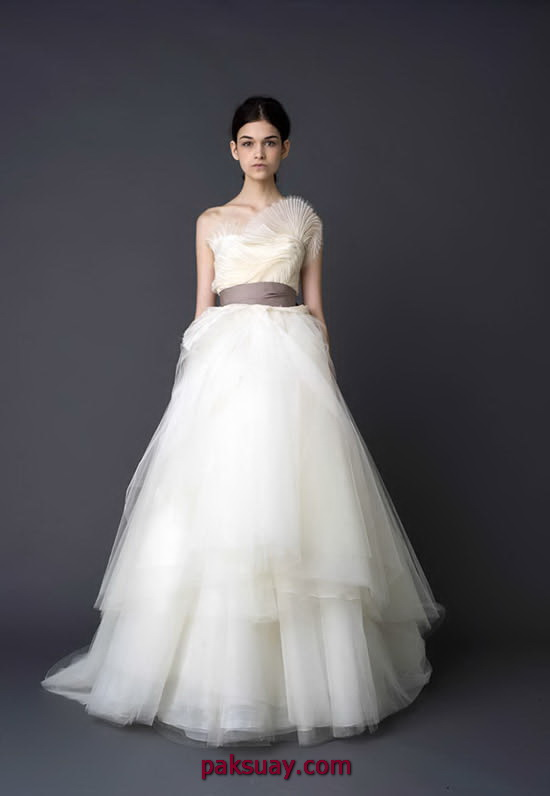Fabulous vera-wang-wedding-dresses-2012-pic-12 550 x 796 · 40 kB · jpeg