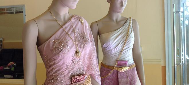 ชุดไทยแต่งงาน แบบห่มสไบ ห่มใหญ่ ร้านลีลาโรส