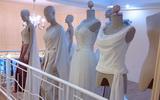 ชุดแขนกุด ร้านขายชุดแต่งงานลีลาโรส กทม ตัดใหม่ เดือนนี้