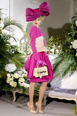 แฟชั่นสีสันผู้หญิง John Galliano เดรสสวยๆจาก Christian Dior