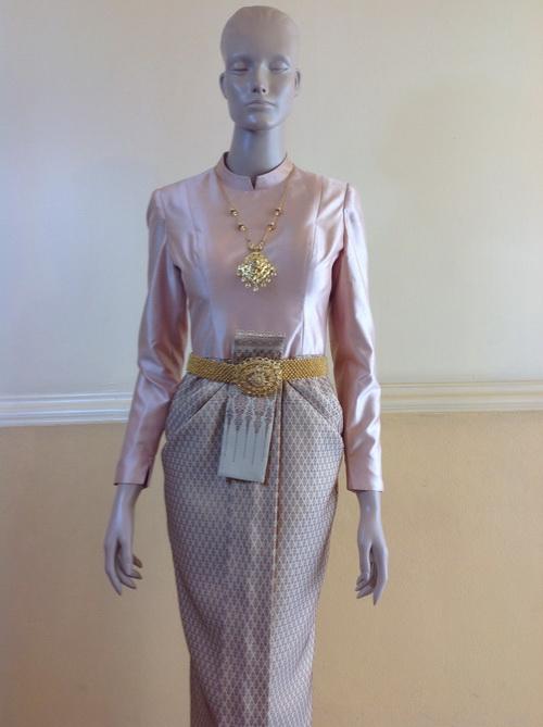 สีกลีบบัว ชุดไทยบรมพิมาน แขนยาว
