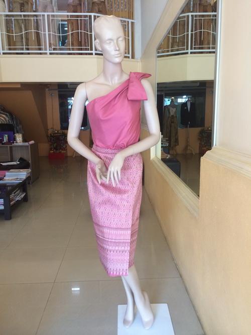 ชุดไทยผ้าไทย ชุดไทยผ้าไหม สั่งตัด