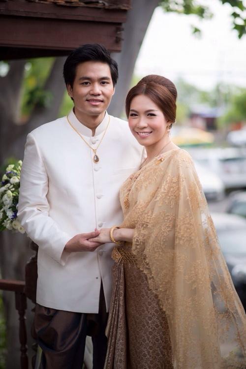 รูปชุดแต่งงาน ชุดไทย หมอนุช-หมอต้นกล้า