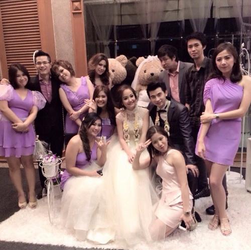 รูปชุดแต่งงาน ชุดไทย คุณอีฟ แมน