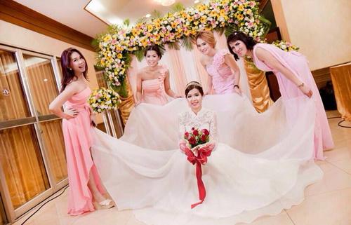 รูปชุดแต่งงาน ชุดไทย คุณเต๋า ตั้ม