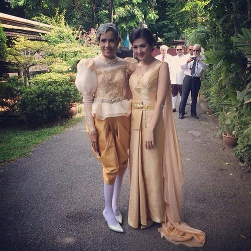 รูปชุดแต่งงาน ชุดไทย งานหมั้น คุณเอ้ คุณต้อง