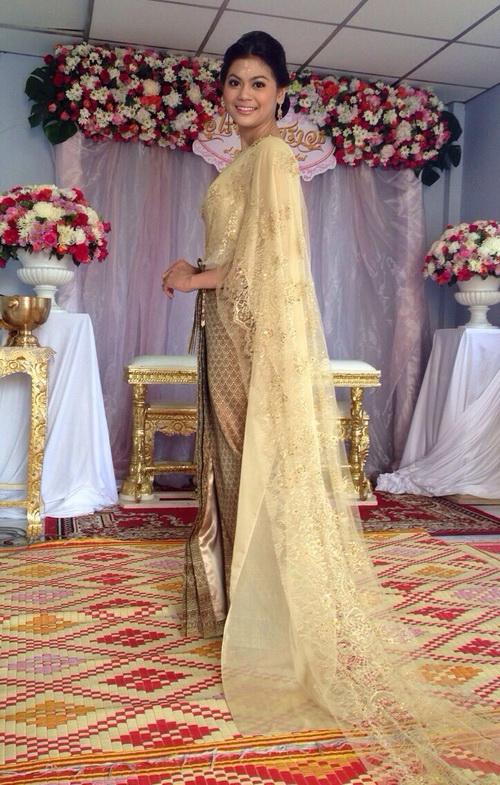 รูปชุดแต่งงาน ชุดไทย คุณหนิง