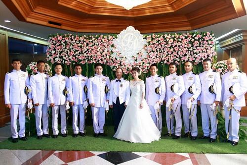 รูปชุดแต่งงาน ชุดไทยคุณมด-กั๊บ