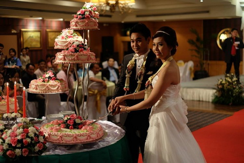 รูปชุดแต่งงาน ชุดไทยคุณแทน-เพชร