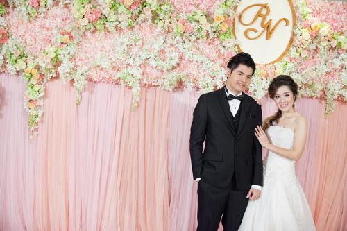 รูปชุดแต่งงาน ชุดไทยคุณเมย์