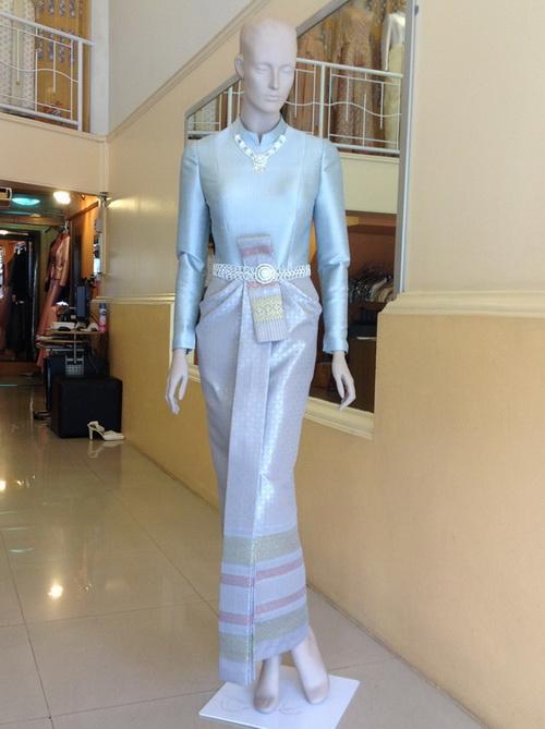 ชุดไทยแขนยาว เทเลอร์เมด ตามไซด์ สีฟ้า ชุดไทยบรมพิมาน