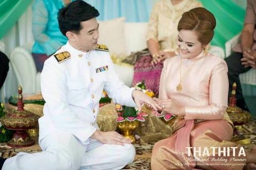ชุดไทยแขนกระบอก ชุดงานเช้า ชุดไทยบรมพิมาน