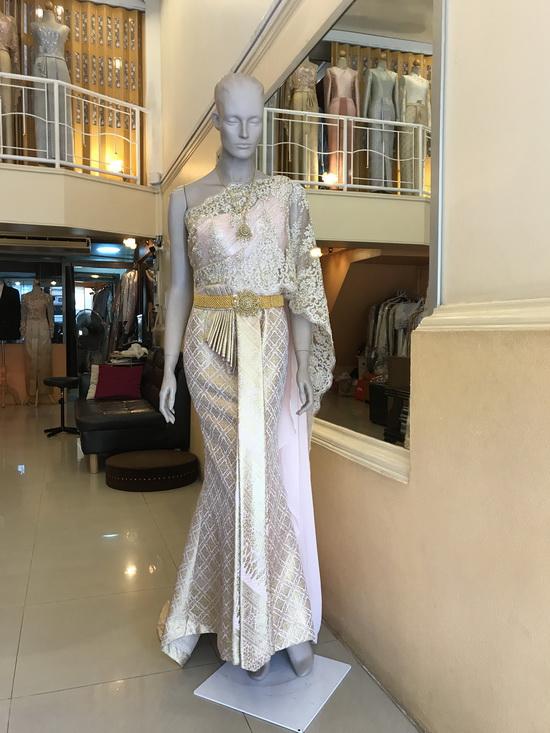 ชุดไทย สีทอง ชุดเจ้าสาว งานแต่งงาน