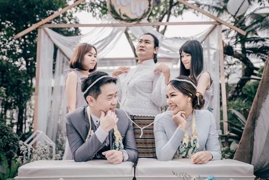ชุดไทยบรมพิมานสีฟ้า
