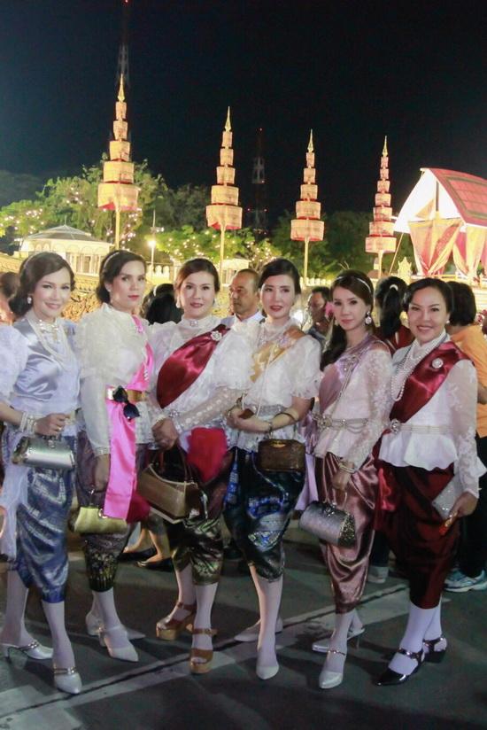 ชุดไทย รัชกาลที่ 5 ชุดไทยโจงกระเบน