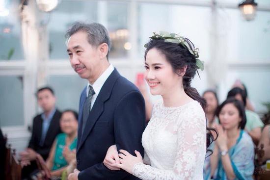 ชุดแต่งงาน สากล แบบใหม่