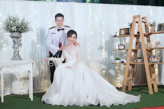 ร้านลีลาโรส ขอบคุณรูปสวยๆ ชุดแต่งงาน บ่าวสาว คุณก้อย ด้วยจ้า